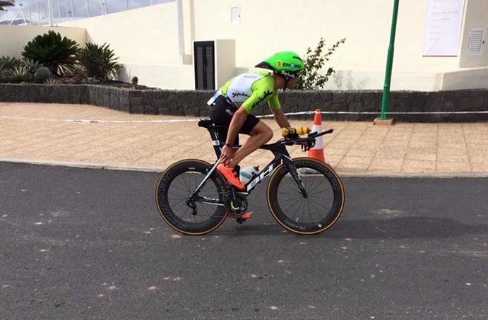 Eneko Llanos vence en el Ironman 70.3 de Lanzarote