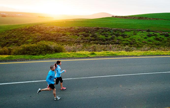 ¿Correr solo o acompañado?