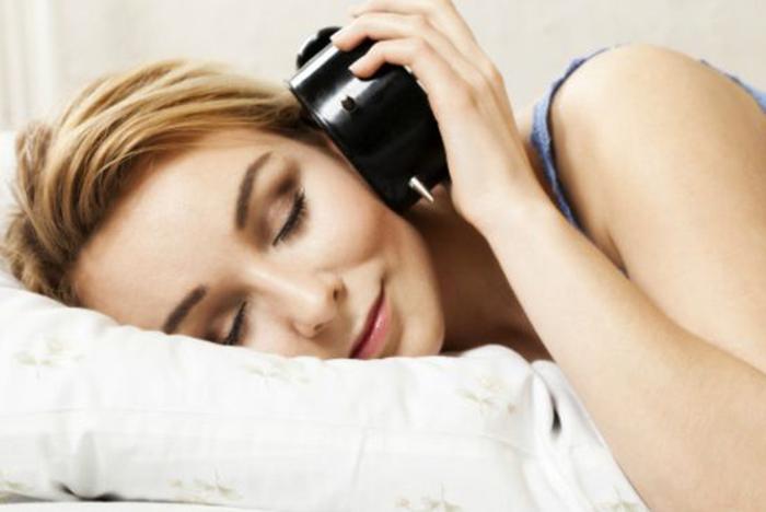 Las mejores canciones para levantarse con energía según Spotify