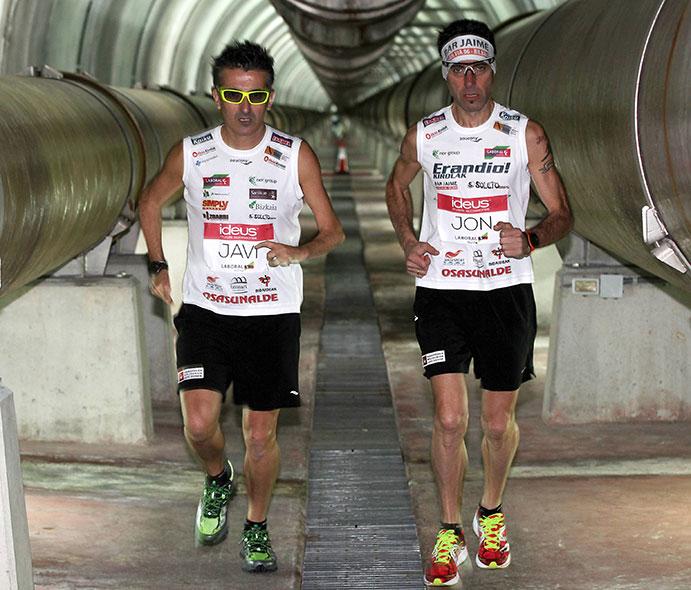Javi Conde finaliza sus maratones solidarios por el subterráneo de Bilbao