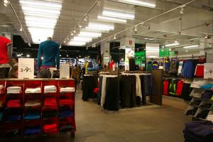La exposición del textil es amplia lo que incrementa la claridad de la exposición a ojos del consumidor y favorece una experiencia de compra más confortable.