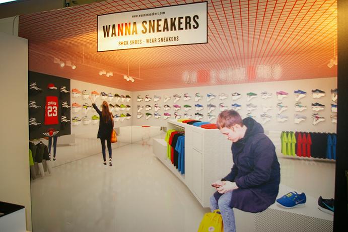 Base Detall Sport pretende que su nuevo formato de tiendas de calzado - moda lifestyle, Wanna Sneakers atrape a los consumidores por la estimulante experiencia de compra que ofrece y, a los detallistas e inversores, por la alta rentabilidad que el nuevo concepto aporta.