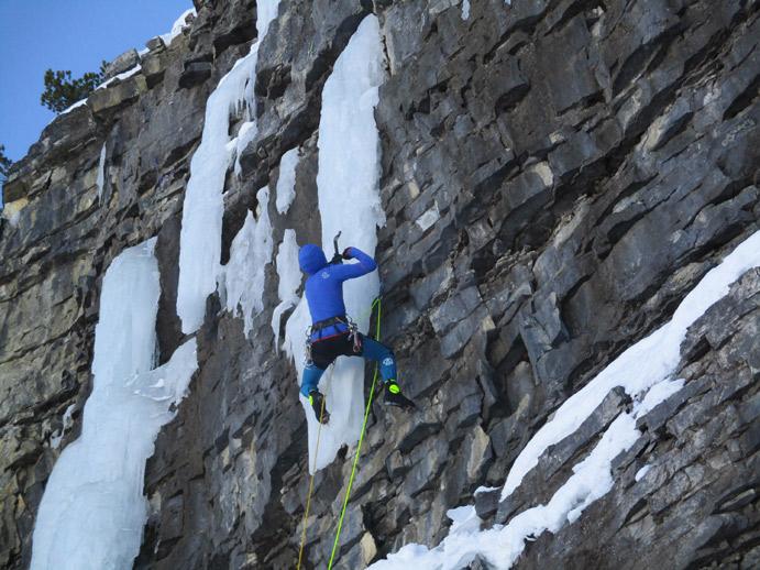 Los equipos de alpinismo Fedme prueban la equipación de Ternua y Lorpen