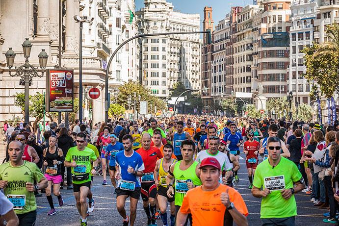 El Maratón y Medio Maratón de Valencia agotan 2.000 dorsales en una hora