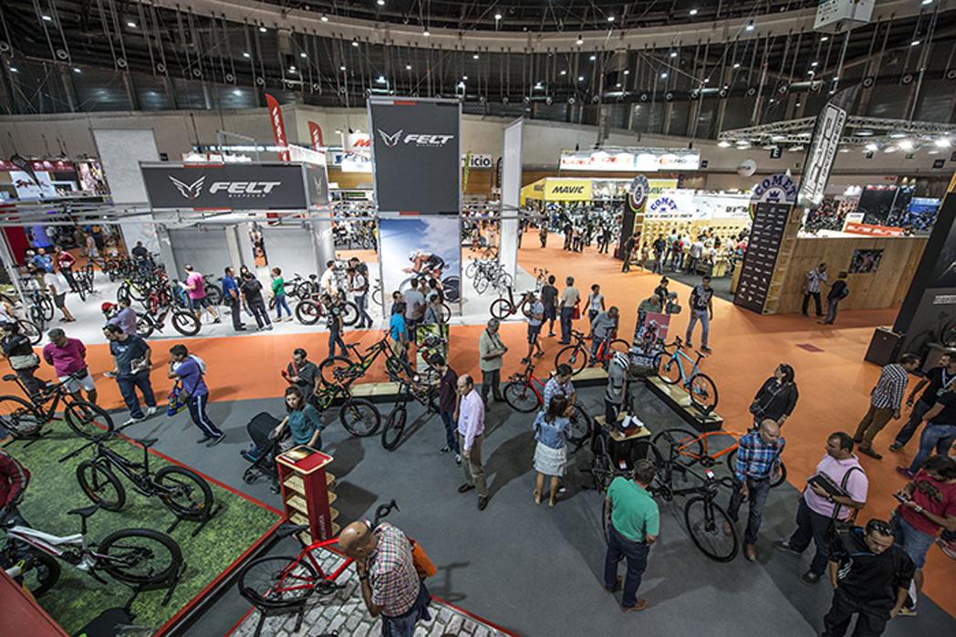 """Tiendas de ciclismo ven """"insuficiente"""" la nueva jornada para profesionales de Unibike"""