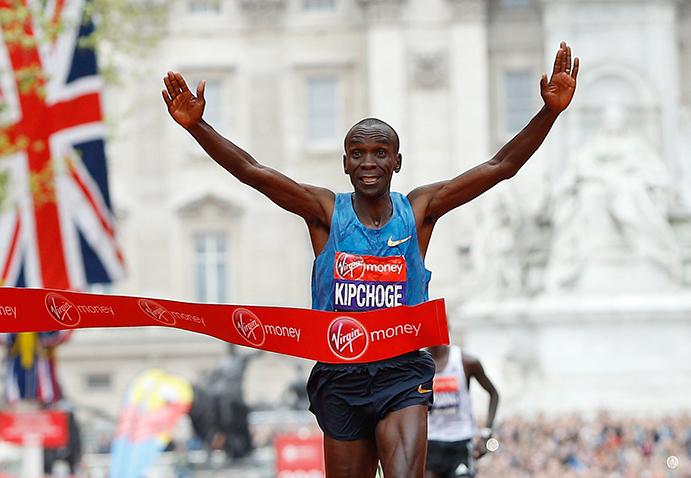 Kipchoge a punto estuvo de batir en Londres el récord del mundo de maratón