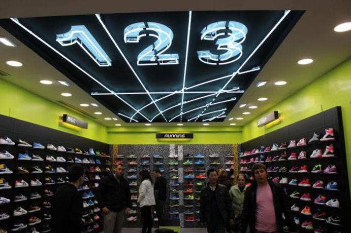 Loix Sport anuncia nueva tienda Base y su primera Wanna Sneakers