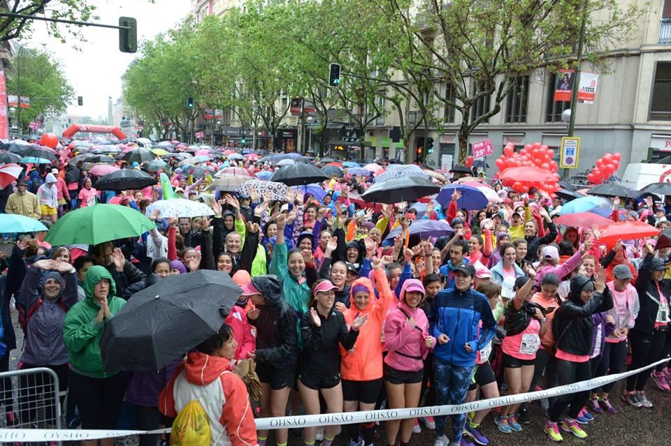 32.000 corredoras contra la lluvia y el cáncer en la Carrera de la Mujer de Madrid