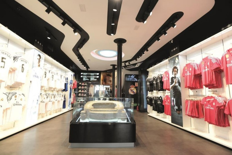 90aa3cf5970ae El Real Madrid abrirá su segunda tienda en Barcelona - CMD Sport