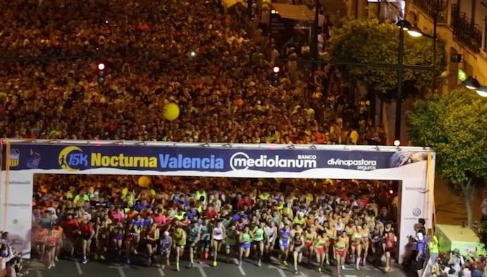 Más de 11.000 corredores llenan Valencia de running nocturno