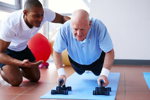 Barcelona aumenta la aportación económica en programas de actividad física para gente mayor