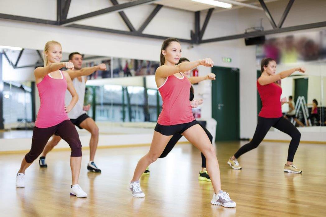 Ejercicio aerobico intenso en casa