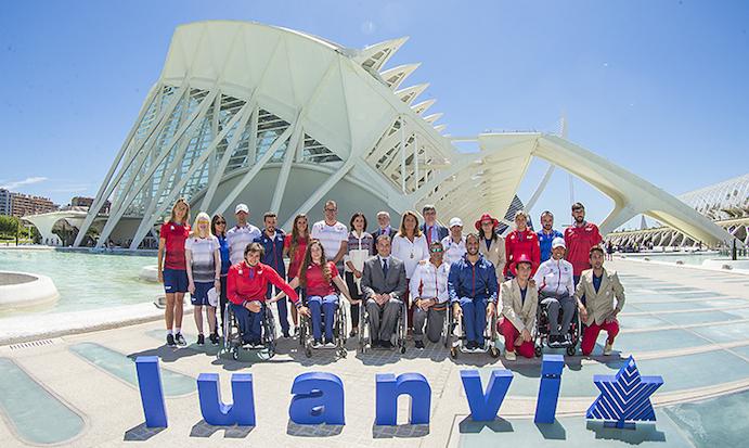 Luanvi presenta las equipaciones de los paralímpicos españoles en Río 2016