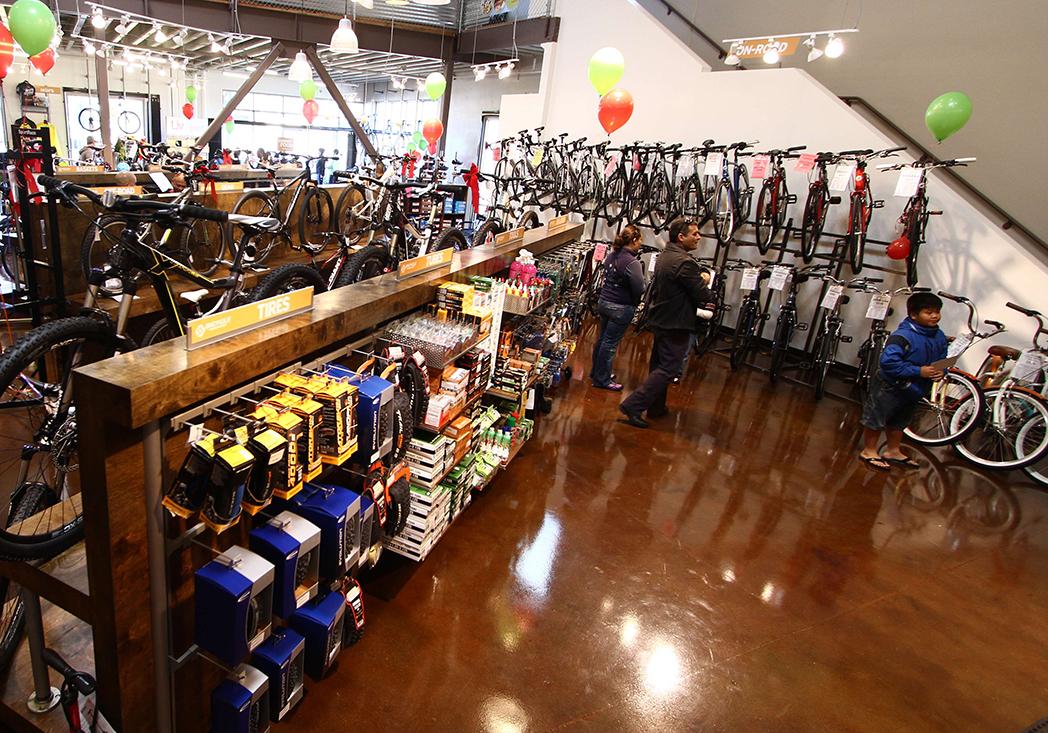 Tiendas de ciclismo analizan las opciones de éxito de las nuevas marcas