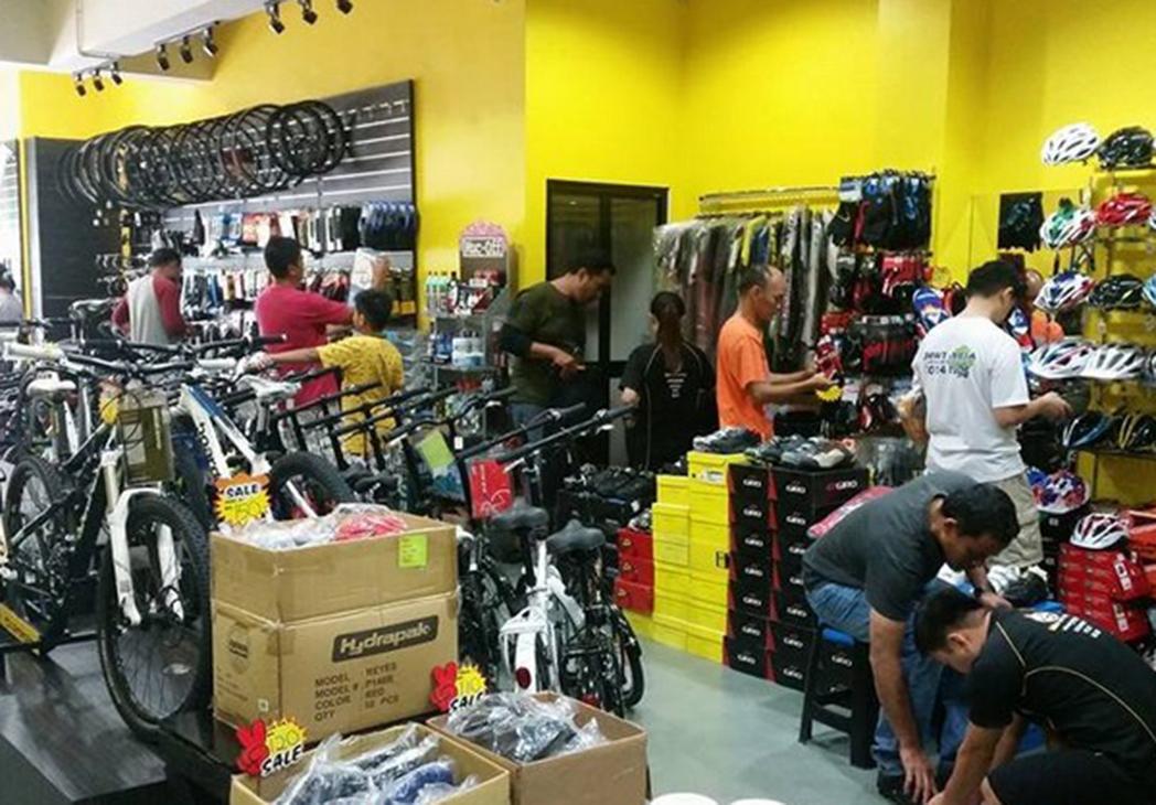 """Tiendas de ciclismo señalan """"un cambio de tendencia"""" que urge a las liquidaciones"""