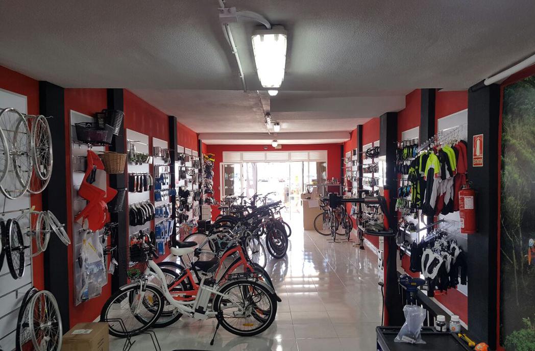 Vadebicis abre en Tenerife su primer negocio de alquiler