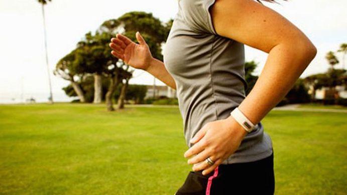 Cuestionan la eficacia para perder peso de las pulseras de actividad