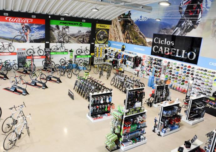 Ciclos Cabello reabre su tienda original de Córdoba