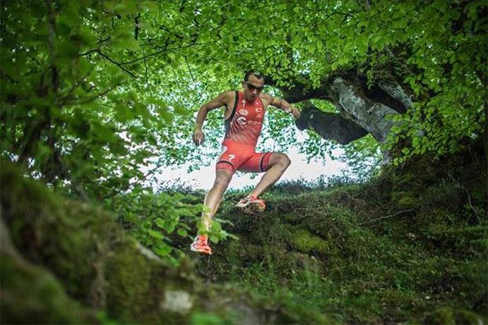 Rubén Ruzafa se convierte en tricampeón mundial de triatlón Cross