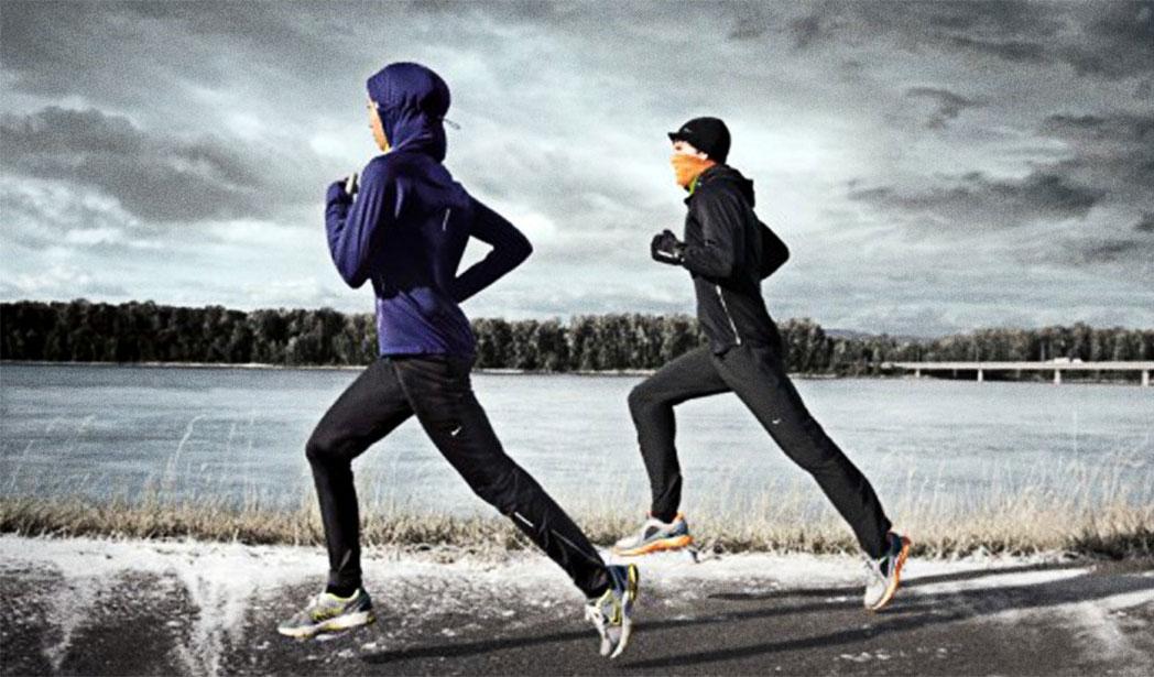 Las 5 prendas imprescindibles para correr en invierno