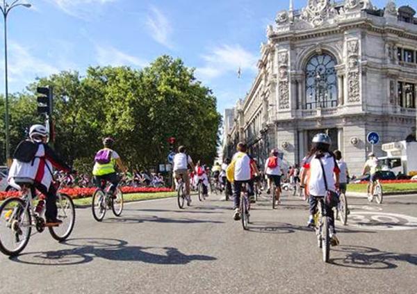 """Tiendas de Madrid y Barcelona reclaman """"más valor"""" en pro de la bici urbana"""