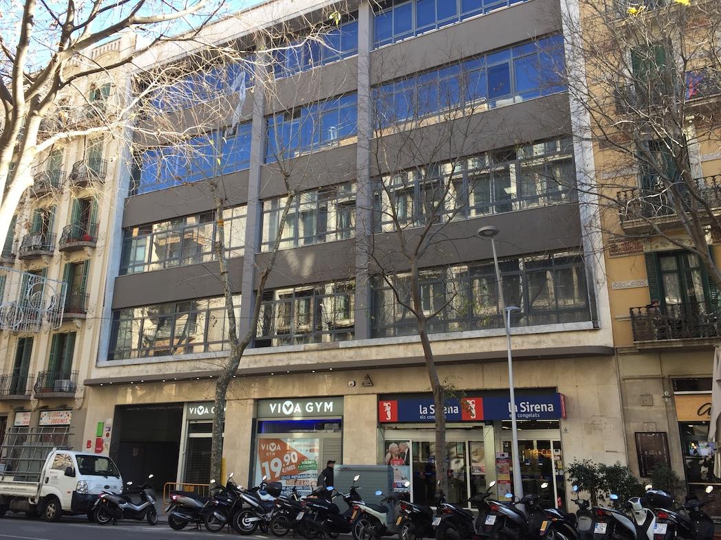 Vivagym inicia en barcelona la escalada de aperturas 2017 - Calle manso barcelona ...