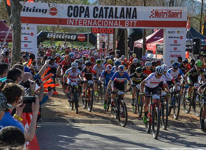 Multitudinario arranque de la Copa Catalana Internacional BTT Biking Point en Banyoles
