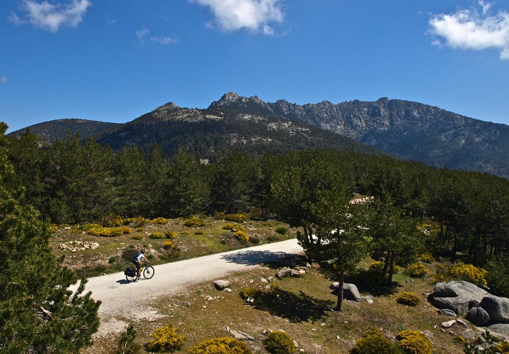 Alertan del daño económico de la nueva regulación de la Sierra del Guadarrama