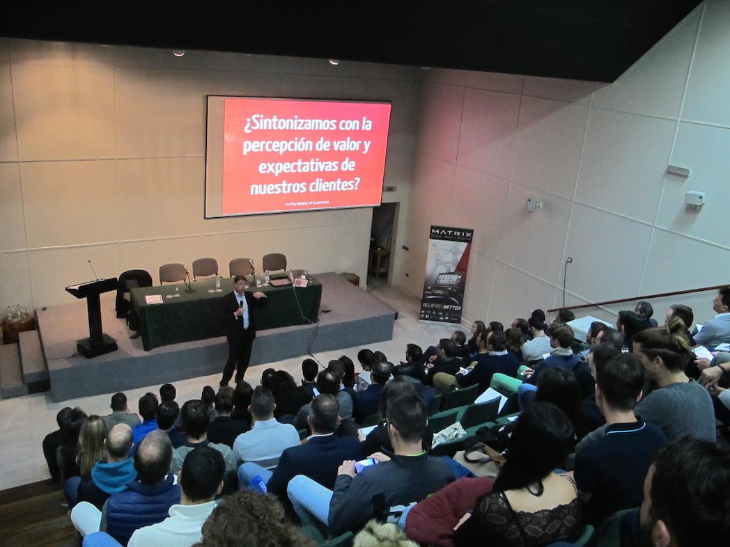 El Seminario Enfoque Cliente reúne a más de 100 gestores en Sevilla
