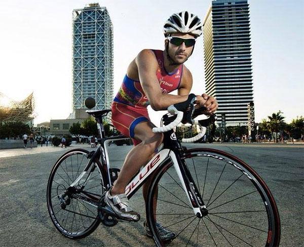 """Cesc Godoy: """"Aplico al triatlón la misma filosofía que aplico en mi vida, vivo al día"""""""