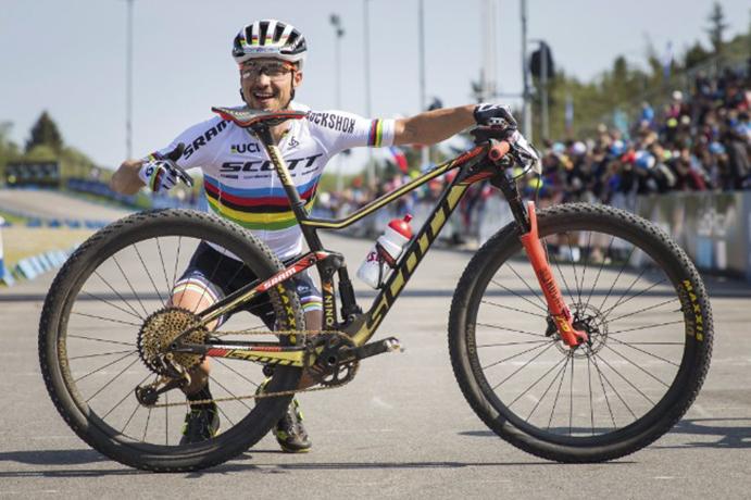 Nino Schurter domina la primera prueba de la Copa del Mundo de Cross Country