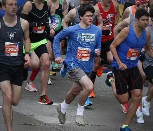 Corre un medio maratón a 1h11 con Crocs