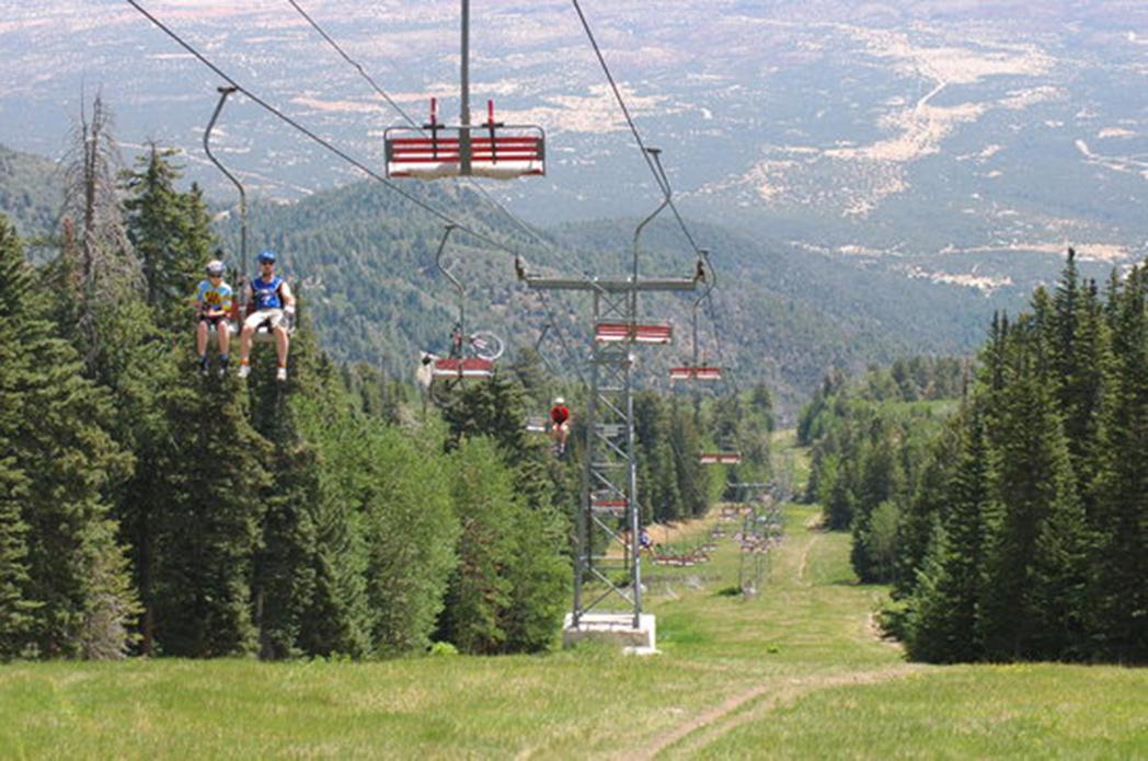 ¿Cómo sobreviven las tiendas de esquí en verano?
