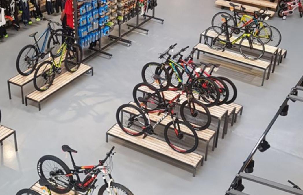 Camp Base y Ravet Bike protagonizan una nueva alianza entre tiendas de montaña y ciclismo