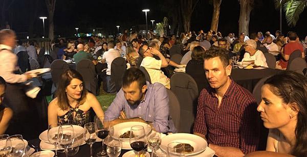 La cena de confraternización en el restaurant Nou Racó organizada pro Atmósfera Sport registró la afluencia de 189 comensales.