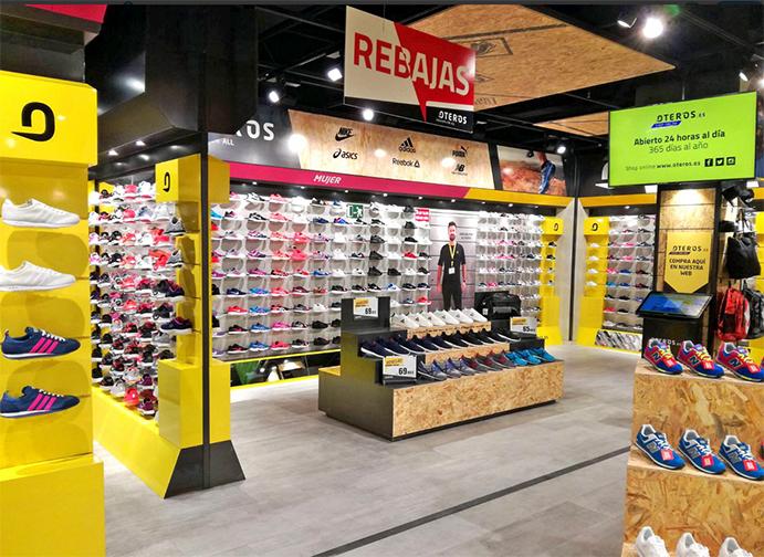 Oteros entra en el mercado gallego con una tienda de sneakers