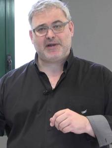 El doctor Santiago Jacomet, médico y Director Académico de Orthos.