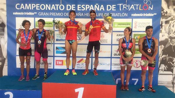 Sara Pérez y Cesc Godoy, campeones de España de Triatlón