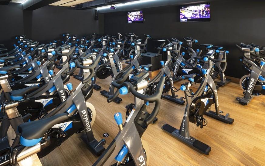 Varios gimnasios renuevan sus salas de ciclo indoor con Stages de Fit4Life