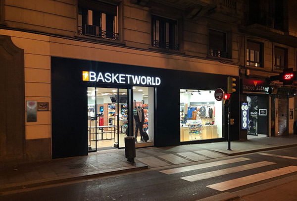 Basket World Store causa sensación en su apertura