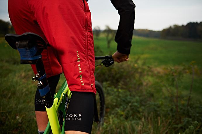 Gore presenta sus propuestas de ciclismo y running para el frío