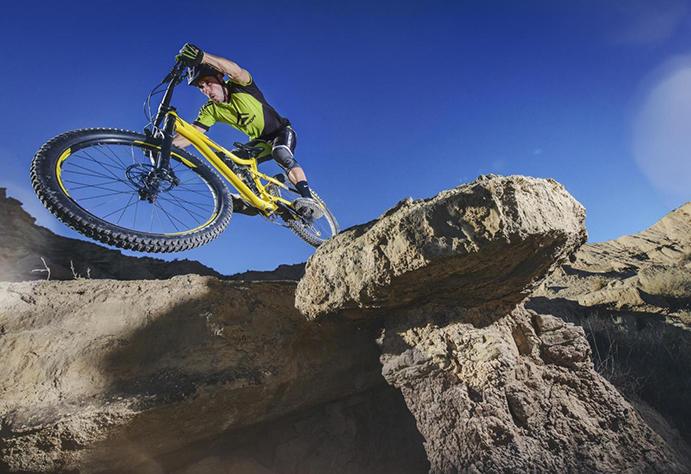 Toni Ferreiro luce sus nuevas bicis Merida