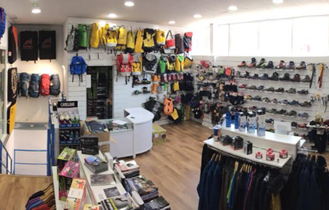 Beclimb inaugura nueva tienda de montaña en su rocódromo de Málaga