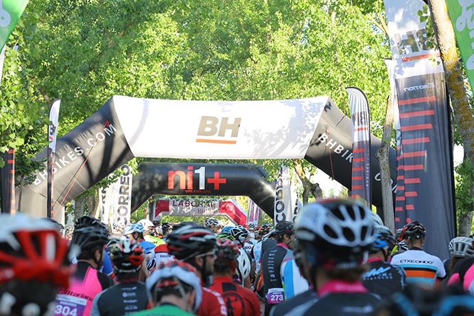 BH firma como patrocinador principal de la Cicloturista Vitoria