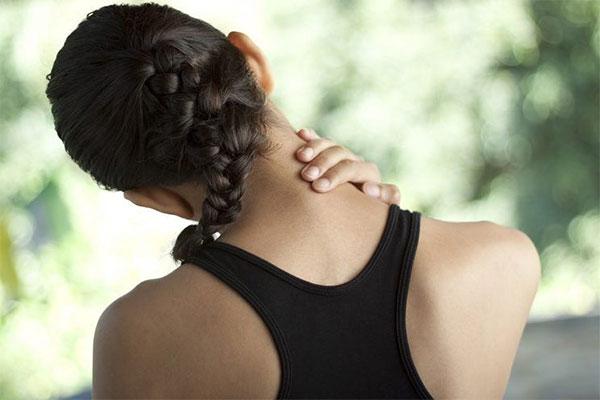 Dolor cervical al correr: Causas y remedios