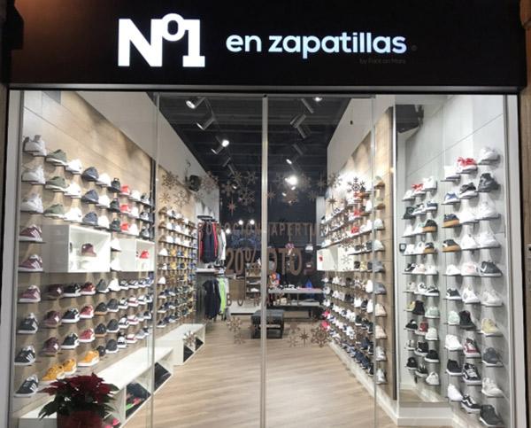 Nº1 en zapatillas finaliza 2017 con 16 tiendas