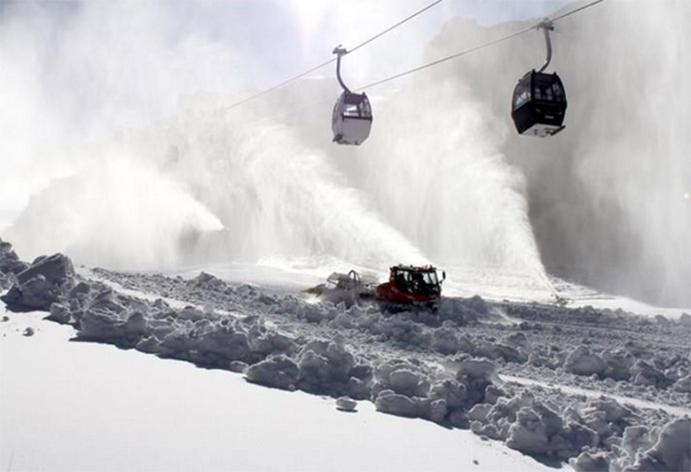 Sierra Nevada abre para el puente el mayor desnivel esquiable de España