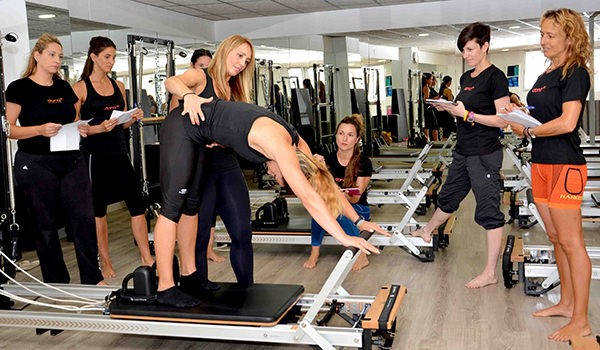 Dona10 apuesta por la formación y abre Pilates10 Academy