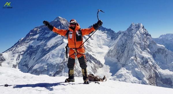 Alex Txikon y su equipo conquista el Pumori, de 7.161 metros