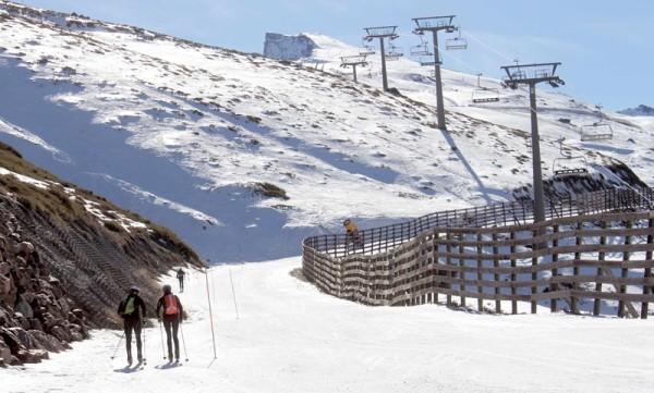 Sierra Nevada abre un itinerario de esquí de montaña